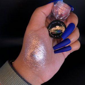 Glamscape-Platinum-stars-Eyeshadow-Pigment-Pink Platinum
